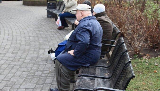 Опрос: лишь 20% латвийцев уверены, что в старости будут хорошо жить