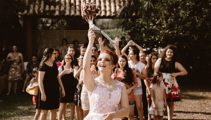 Stiliste iesaka: ko ģērbt, pošoties uz kāzām kā viesim