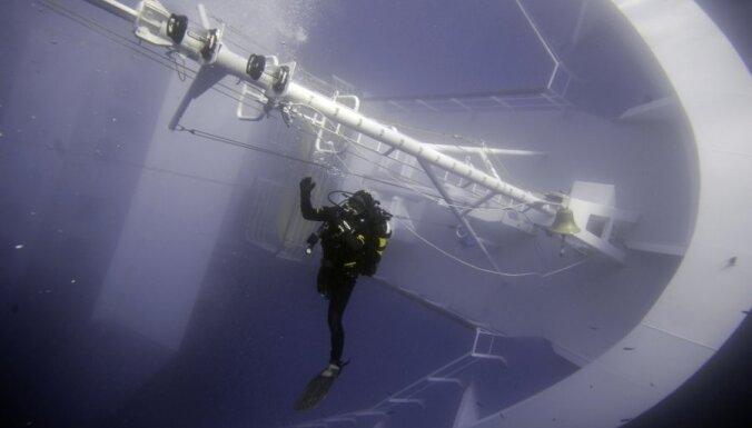 """ФОТОГАЛЕРЕЯ: Лайнер Costa Concordia. """"Жизнь"""" под водой"""