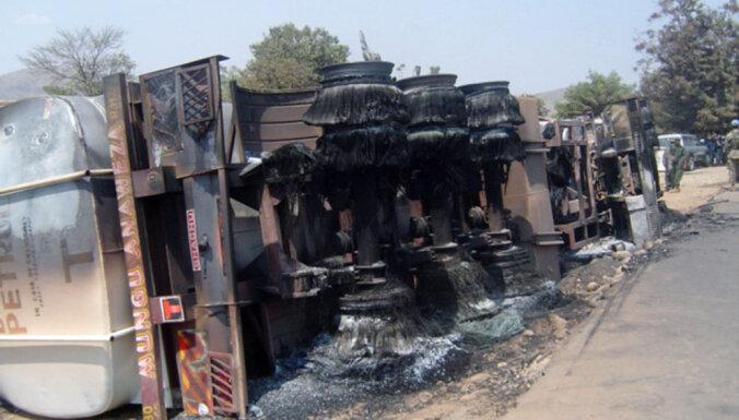 Autocisternas avārijā Kongo miruši 50 cilvēki, 100 apdeguši