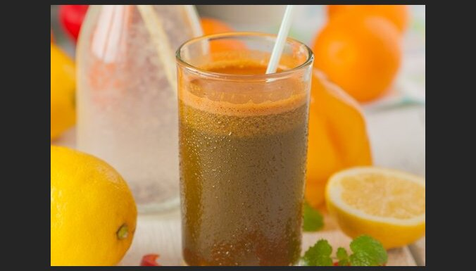 Smūtiju jeb veselīgo kokteiļu pagatavošanas noslēpumi (un 10 receptes)