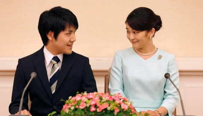 Japānas princese Mako lauž tradīcijas un precēsies ar puisi no tautas