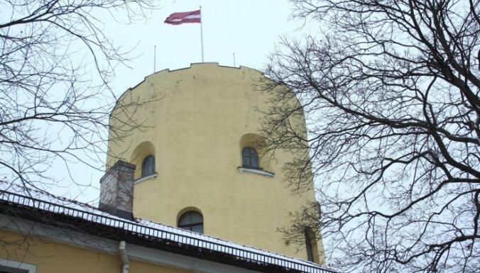 Президент возобновляет работу в Рижском замке