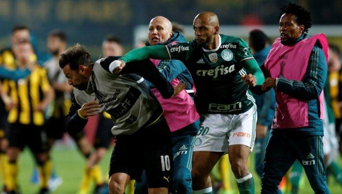 Palmeiras Felipe Melo fight Penarol Matias Mier