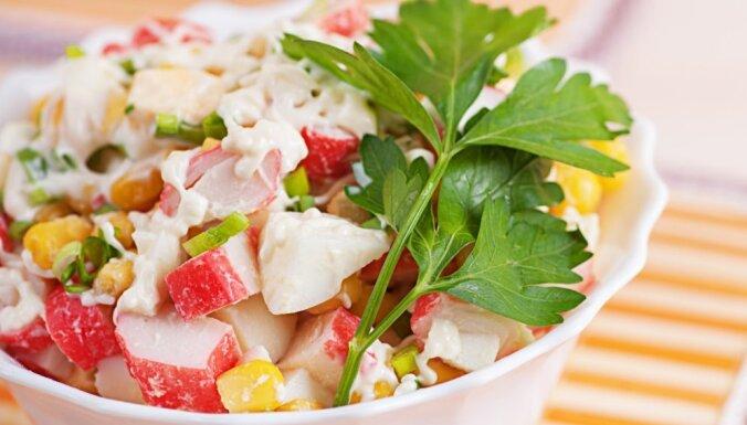 Салат из крабовых палочек с цветной капустой