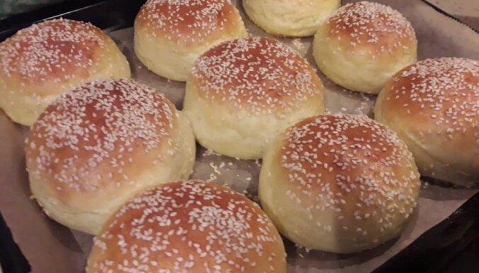 Foto recepte: kā pagatavot ideālās burgermaizītes