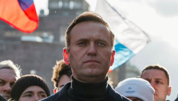 Кремль признал слежку ФСБ за Навальным. Это вообще законно?