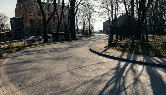 Lielākais Covid-19 gadījumu skaits otrdien atklāts Rīgā, Jelgavā un Liepājā