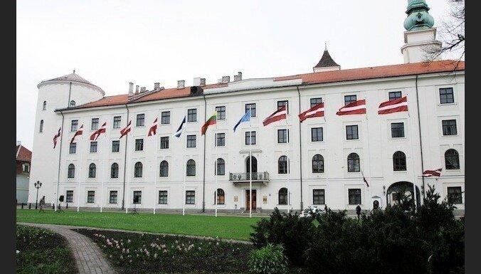 Prezidents Bērziņš izsludinās Augstskolu likuma grozījumus; aicina risināt neskaidrības par īpašumiem