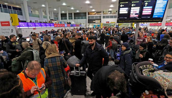 Хаос в Гатвике: аэропорт частично открылся, но проблемы остаются