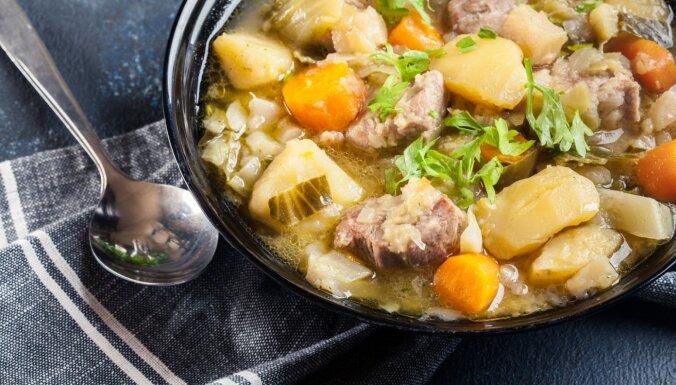 Vienkāršais gaļas un dārzeņu sautējums vācu gaumē