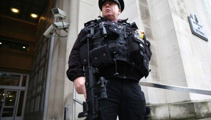 Grībauskaite cer, ka Lielbritānija aizsargās lietuviešu viesstrādniekus