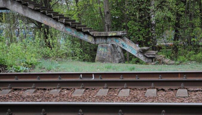 Рижская дума обсудит разрушающиеся пешеходные мосты