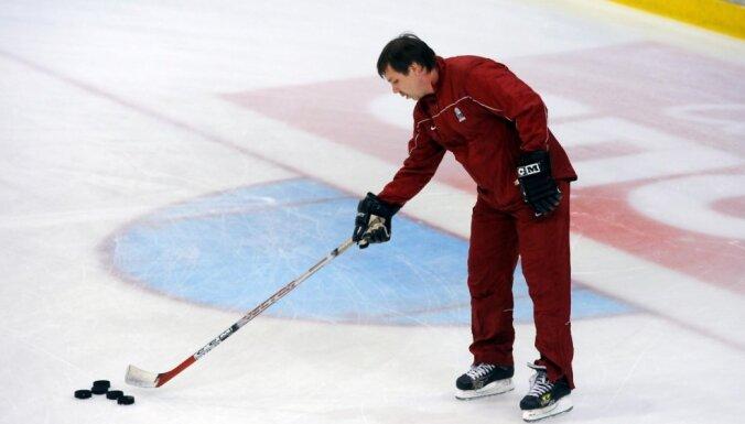 В Риге состоялся матч легенд хоккея между ветеранами Латвии и России (ФОТО)