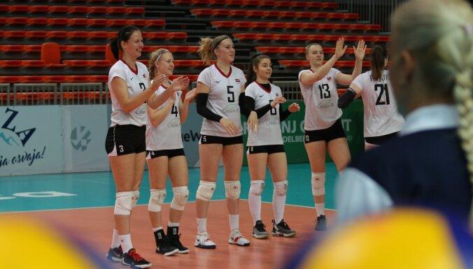 Volejbolistes karjeru beigusi Latvijas izlases spēlētāja Šveigere