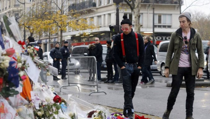 'Eagles of Death Metal' sniegs Parīzes teroraktu dēļ pārceltos koncertus