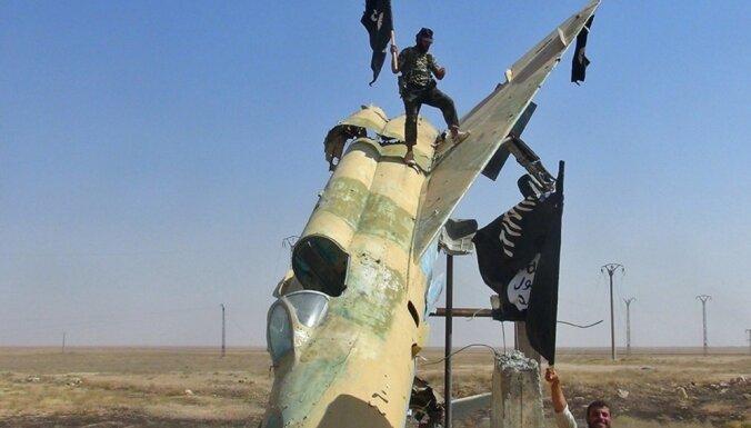 Asada spēki esot notriekuši divus 'Islāma valsts' rokās nonākušos iznīcinātājus