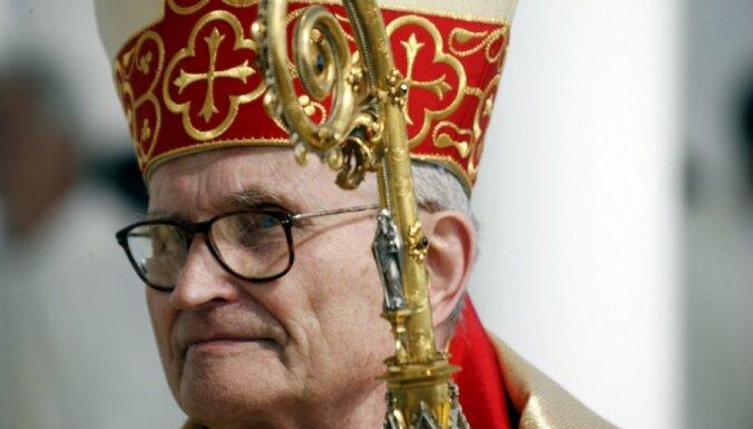 Кардинал Пуятс: моральный кризис в Латвии углубляется
