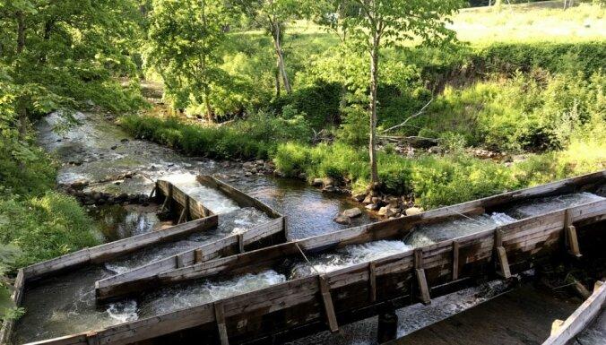 Klintis, slūžas un tiltiņi: pastaigu taka pašā Līgatnes sirdī