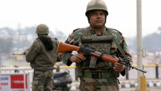 Pakistāna brīdina Indiju atturēties no militāriem soļiem