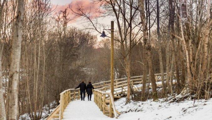 ФОТО: В Кулдиге построили новую двухкилометровую тропу для прогулок