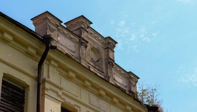Zudusī godība: Riebiņu muiža, kur senāk pulcējās mākslinieki