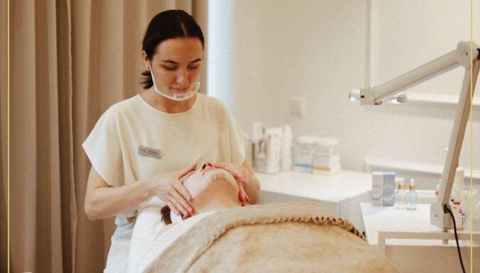 Kosmetologs sniedz recepti perfektai sejas kopšanai mājas apstākļos