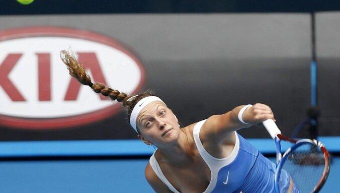 Kvitova un Azarenka cīnīsies WTA sezonas noslēguma turnīra finālā