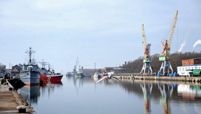 В Лиепае замечено нефтяное пятно площадью 500 квадратных метров