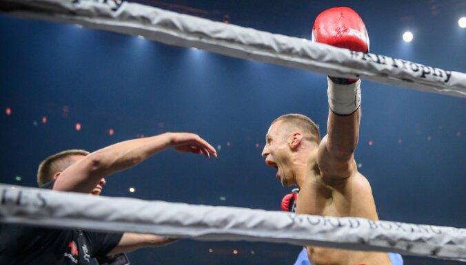 Бриедис победил Дортикоса в финале WBSS и стал чемпионом мира IBF