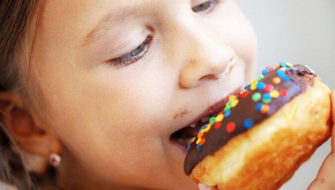 Bērns un liekais svars: ko darīt, ja konstatēta šī problēma