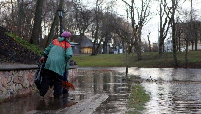 В воскресенье в Латвии ожидается буря