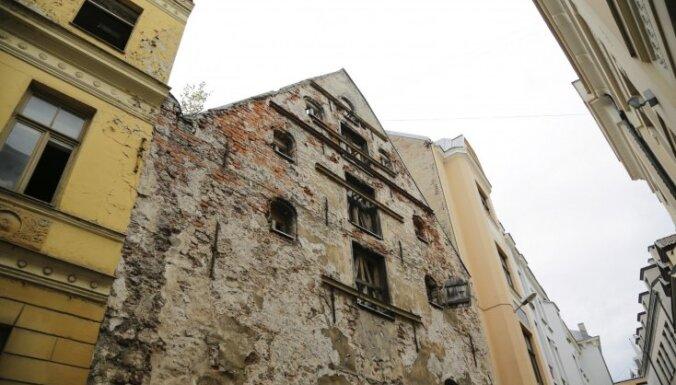 Опасное здание: будет закрыто движение по улице Пейтавас в Старой Риге