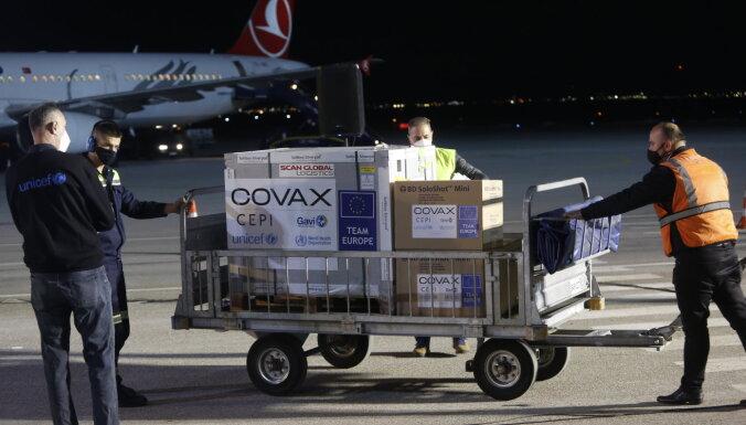 Covid-19: Kosova saņēmusi pirmo vakcīnu kravu