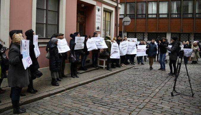 'Latvija savus pilsoņus absolūti nespēj aizstāvēt' – soctīklotāji sašutuši par Misānes izdošanu