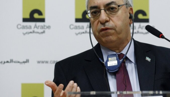 Sīrijas opozīcija lūdz ieročus un militāru iejaukšanos