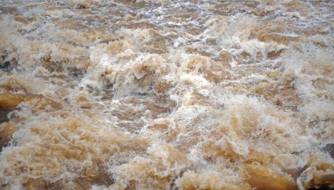 Даугава затопила дорогу в Свентской волости