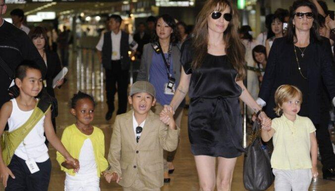 Angelina Jolie, Andželīna Džolija