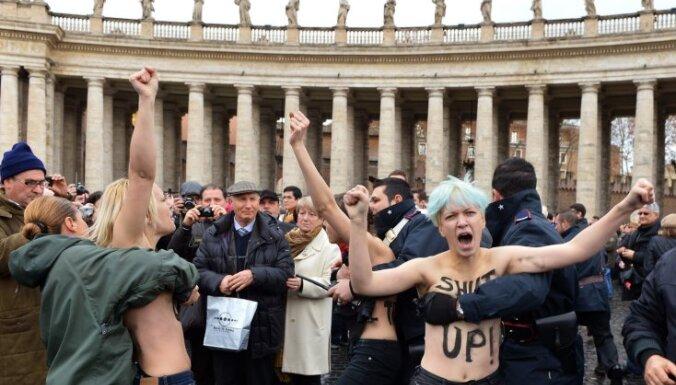 Активистки FEMEN устроили очередную выходку в Ватикане