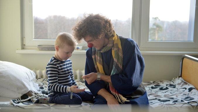 'Dr. Klauns' svin septīto dzimšanas dienu un sāk jauno Dakteru Klaunu skolu