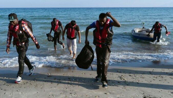 Grieķijā šobrīd atrodas gandrīz 32 000 bēgļu