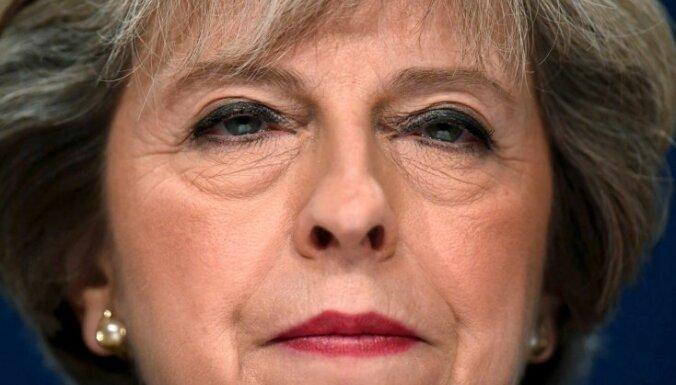 Baltais nams kļūdaini uzrakstījis Lielbritānijas premjerministres vārdu