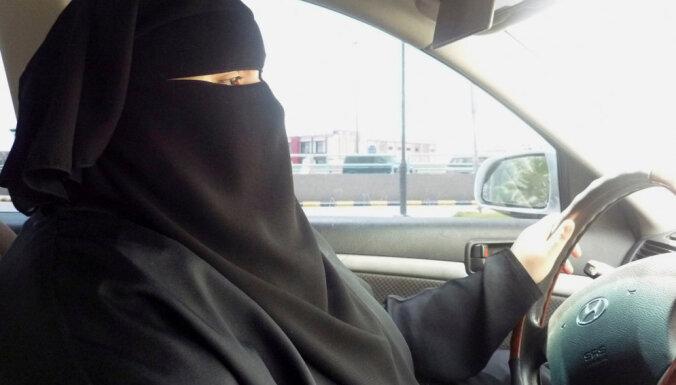 Женщины в Саудовской Аравии получили право водить автомобиль