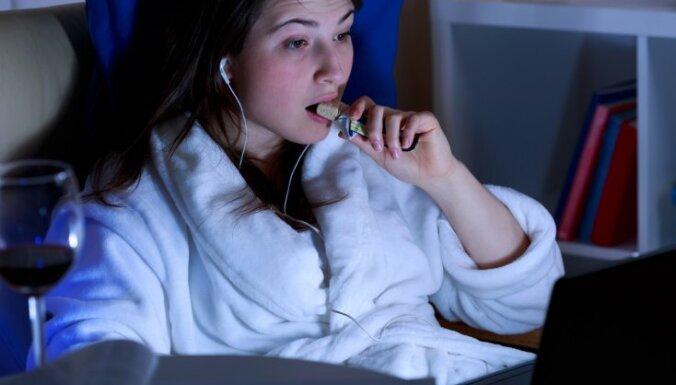"""Месть за отсутствие """"личного времени"""". 7 советов, как перестать тянуть с отходом ко сну"""