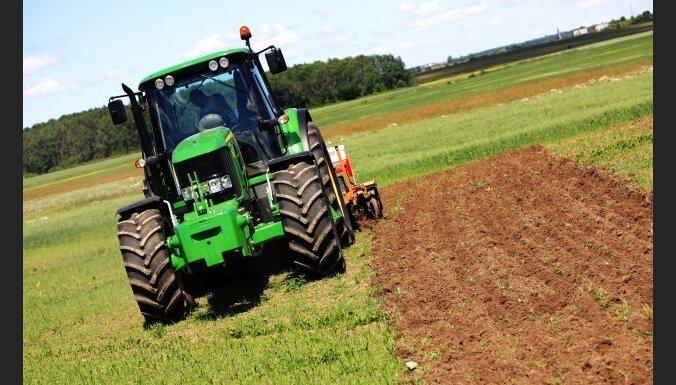С сельхозтехники массово сливают топливо