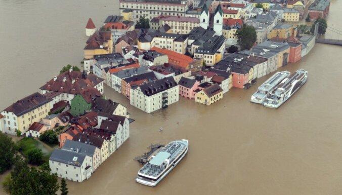 Plūdi Centrāleiropā prasījuši jau vismaz deviņu cilvēku dzīvības