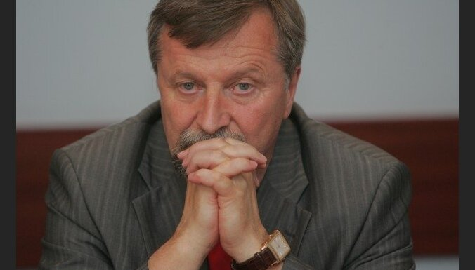 Vēlētāji nepiedeva LSDSP sadarbību ar PCTVL, uzskata Dinevičs