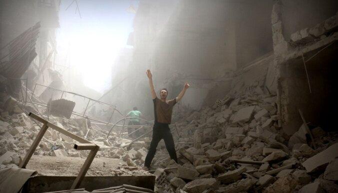 Четыре медика погибли в Сирии при бомбардировке больницы