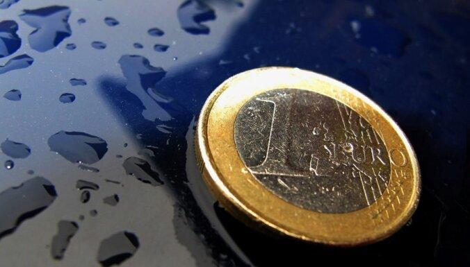 Аболтиня: переход с лата на евро повысит доверие к этой валюте