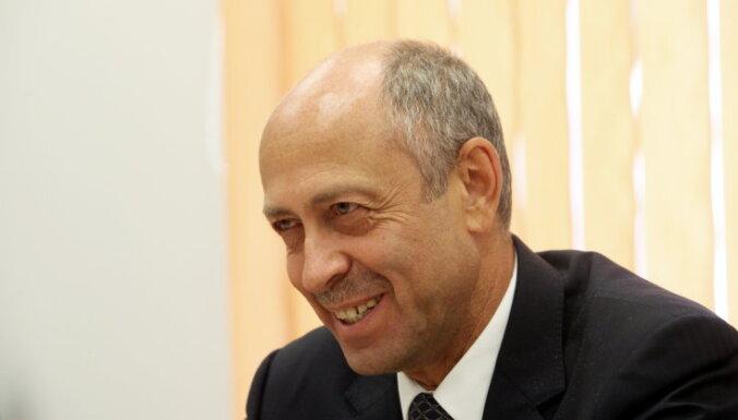 Временно занявший место Ушакова Буров надеется снизить напряженность в Рижской думе